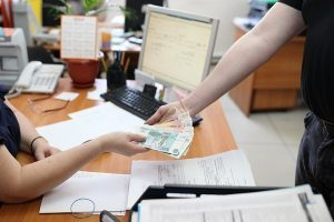 Материальная помощь бывшим работникам - пенсионерам после увольнения