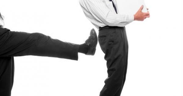 Отстранение от должности руководителя организации