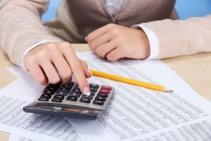 Выходное пособие при увольнении по соглашению сторон, налоги и взносы