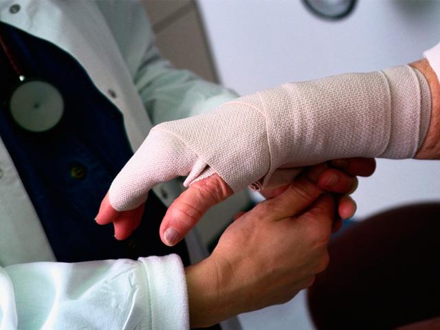 Больничный лист при производственной травме: как оплачивается и оформляется