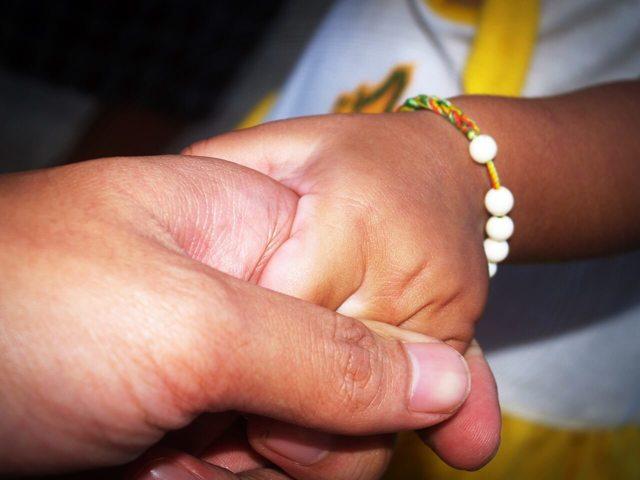 Больничный с ребенком во время отпуска: продлевается ли отпуск?