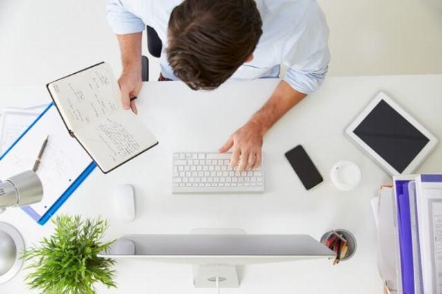 Можно ли работать официально и иметь ИП