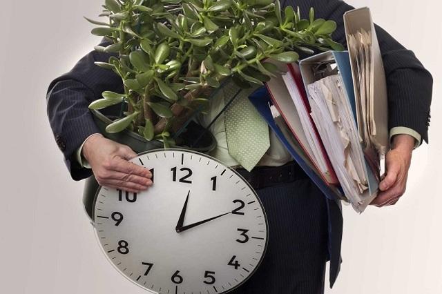 Увольнение в выходной день - возможно ли, как его оформить при разных графиках