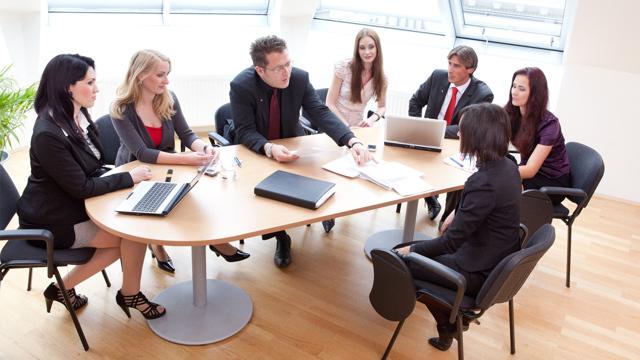 Может ли директор работать по совместительству: в своей, в другой организации