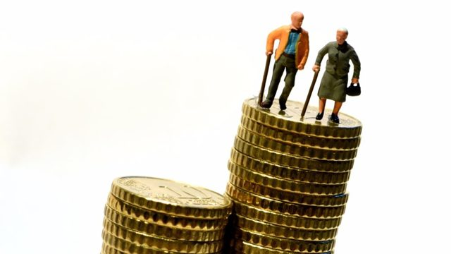 Чем отличаются трудовой и страховой стаж - основные различия и нюансы при расчете пенсии