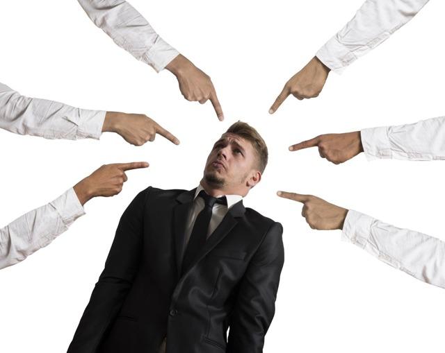 Какие дисциплинарные взыскания заносятся в трудовую книжку