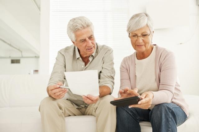 Ветеран труда: как получить, сколько лет нужно проработать, льготы